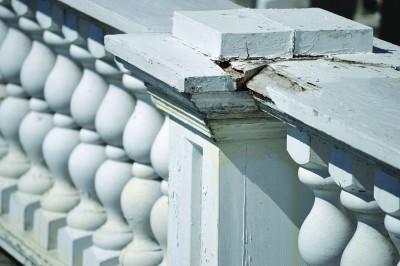 Flat Top Manor balustrade