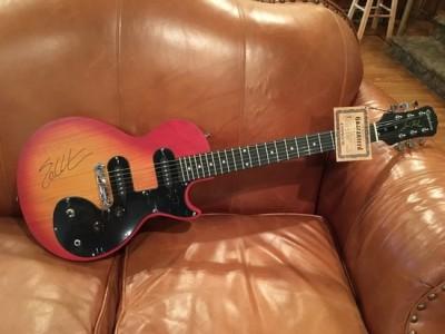 Les Paul Guitar autographed by Eric Church